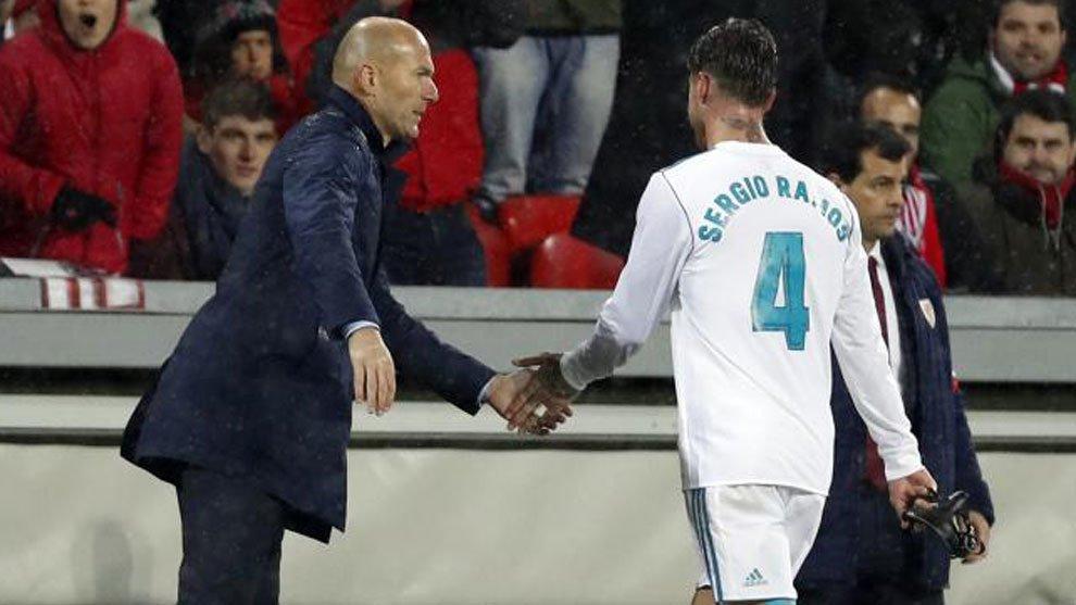 """""""A lo mejor Zidane gana y le apetece irse, hay que preguntarle a él"""" sergio ramos"""